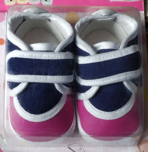 Casual Shoes KIDS SHOES  *Material* Textile  *Sole Material* Rubber  *Multipack* 1  *Sizes*  6 Months  *Sizes Available* 6 Months *    Catalog Name: Pretty Latest Kids Girls Casual Shoes CatalogID_1794951 C60-SC1164 Code: 443-10038916-