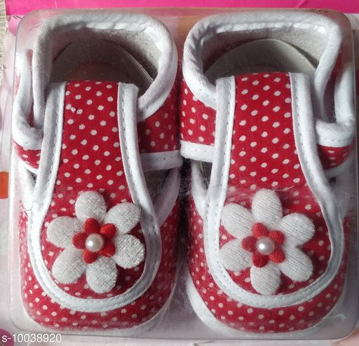 Casual Shoes KIDS SHOES  *Material* Textile  *Sole Material* Rubber  *Multipack* 1  *Sizes*  6 Months  *Sizes Available* 6 Months *    Catalog Name: Pretty Latest Kids Girls Casual Shoes CatalogID_1794951 C60-SC1164 Code: 443-10038920-