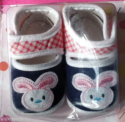 Casual Shoes KIDS SHOES  *Material* Textile  *Sole Material* Rubber  *Multipack* 1  *Sizes*  6 Months  *Sizes Available* 6 Months *    Catalog Name: Pretty Latest Kids Girls Casual Shoes CatalogID_1794951 C60-SC1164 Code: 443-10038923-