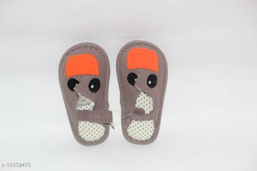 Flats Lovely Pair Of Elegant Soft Baby Shoes   *Material* Velvet  *Pattern* Printed  *Multipack* 1  *Sizes*  3-12 Months  *Sizes Available* 8 Months *    Catalog Name: Fabulous Stylish Kids Girls Sandals CatalogID_2022027 C60-SC1166 Code: 325-10932473-