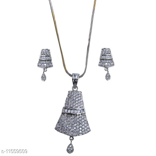 Pendants & Lockets