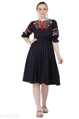 Womens Trendy embroidered top