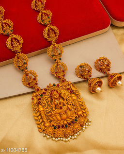 Alluring Chunky American Diamond & Pearl Gold Plated Women's Temple Jewellery Set
