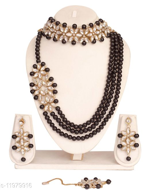 Necklaces & Chains  Black Pearls String Side Kundan Floral Necklace Set for Women Base Metal: Alloy Plating: Gold Plated Stone Type: Artificial Beads Sizing: Adjustable Type: Necklace Sizes:Free Size Country of Origin: India Sizes Available: Free Size    Catalog Name: Sizzling Chunky Women Necklaces & Chains CatalogID_2280386 C77-SC1092 Code: 374-11979916-