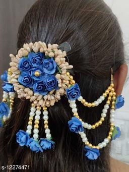 Handcrafted flower Embelished Gajra