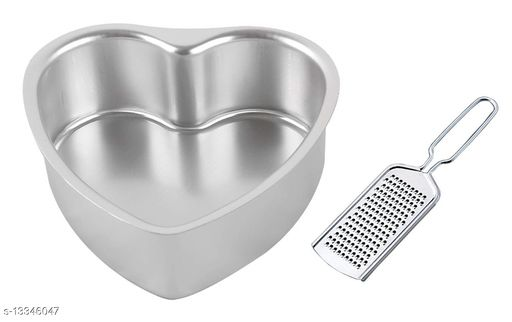 Pack of 2 Pieces Aluminium Heart Shape Cake Mould with Mini Stainless Steel Cheese Grater