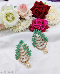 CARANS colorful light weight beads earrings, Pastel Green, 1 pair of earrings