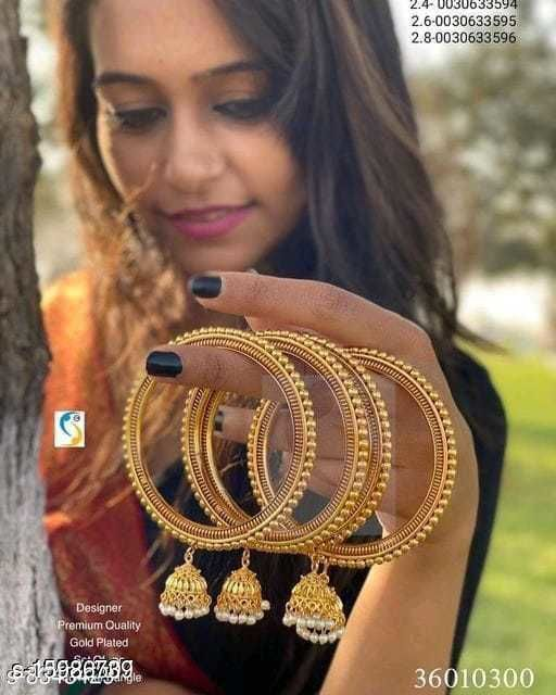 Sizzling Gold Plated Women Bangles