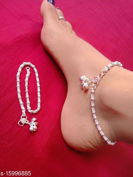 Sizzling Chunky Women Anklets & Toe Rings