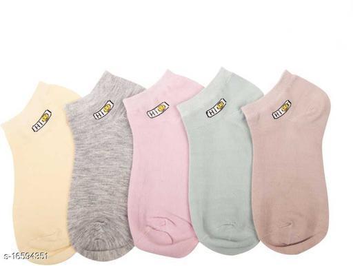 Attractive Women's Multicolor Socks