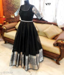 ENGROSSING BLACK COLORED DESIGNER PARTYWEAR GEORGETTE-JACQUARD GOWN
