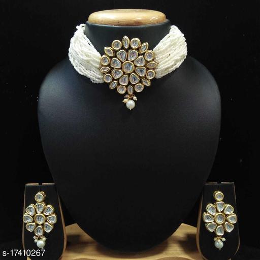 Sizzling Fancy Women jewellary set
