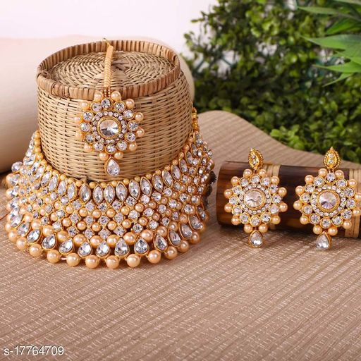 White & Goldden Party Wear Choker Traditional Necklace Set with Maang Tikka Earrings for women's