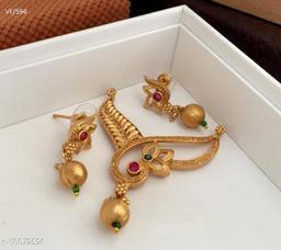 Shimmering Charming Pendants & Lockets