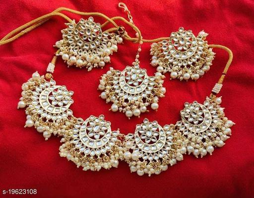Sizzling Charming Women Jewellery Set