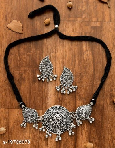 Strigehne Oxdisided Boho Neckless With Earrings