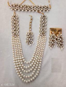Women's Kundan And Pearl Jewellery Set