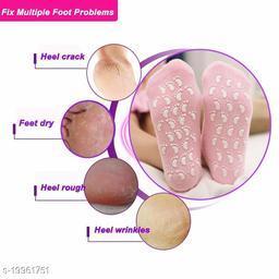 Moisturizing 1 Pair Moisturize Spa Socks Repair Cracked Skin Treatment Gel Soft Moisturizing Feet Socks Gel Silicone Gel Booties SPA Insoles(Random Color)