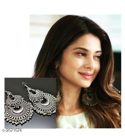 Fashionable Silver Plated Earring