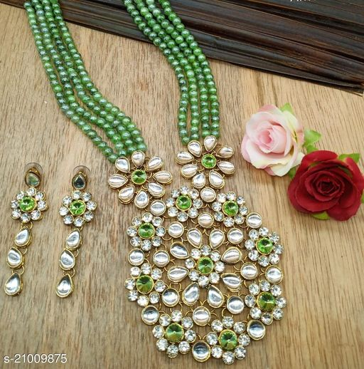 Twinkling Chunky Women Necklaces & Chains