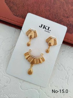 Classy Look Pendant with One Pair of Earrings Set For Women