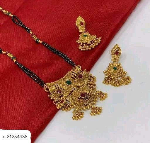 Classy Gold Women's Mangalsutra