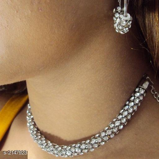 Trendy Beautiful Necklace Set
