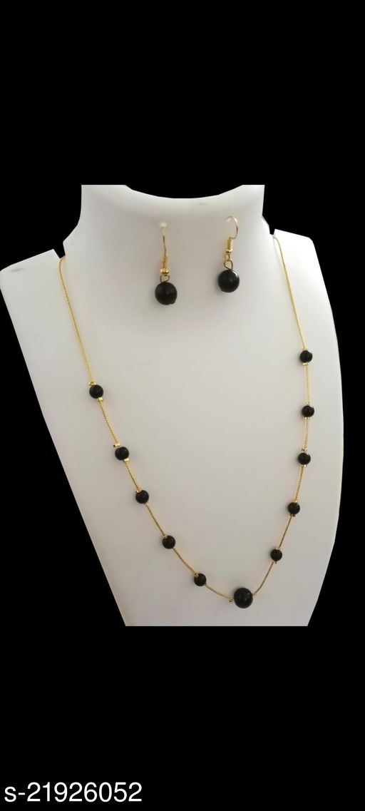 stylish Black Pearl chain with earrings