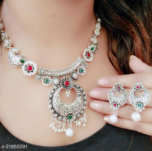 New & Trendy Women Jewellery set