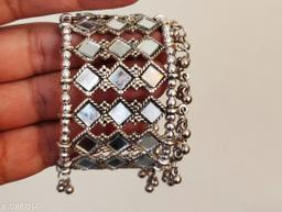 Shimmering Graceful Bracelet & Bangles