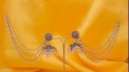 Embellishing Pearl Earring