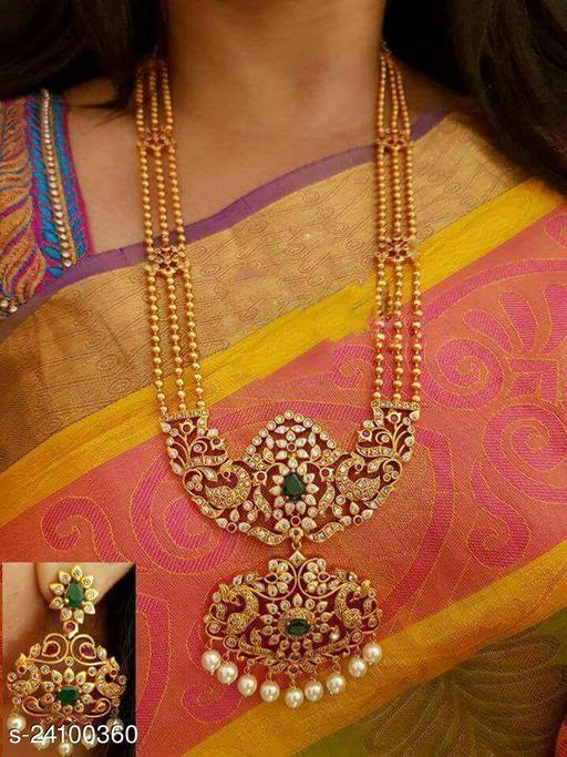 Graceful Women Jewellery Set