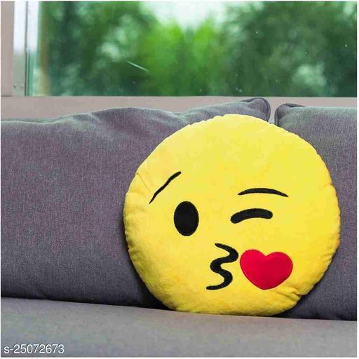 Ravishing Fashionable Pillows
