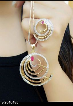 Elegant Alloy Women's Jewellery Set