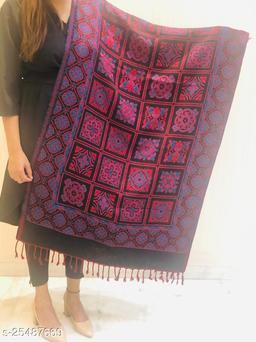 Women Wool blend Desginer Floral Boxes Pattern Stole