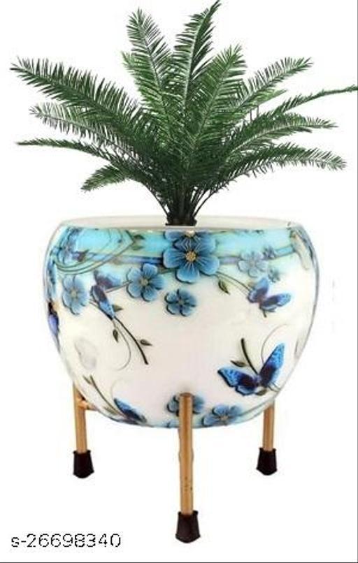 Essential Pots & Planters