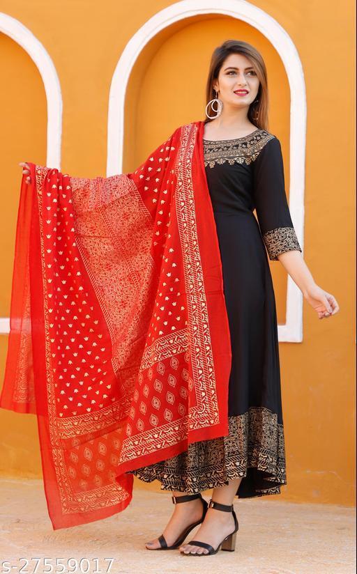 Aakarsha Attractive Women Gown