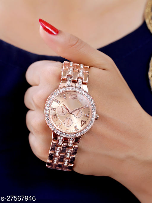 Sizzling New Design Trendy Analog Watch For Women