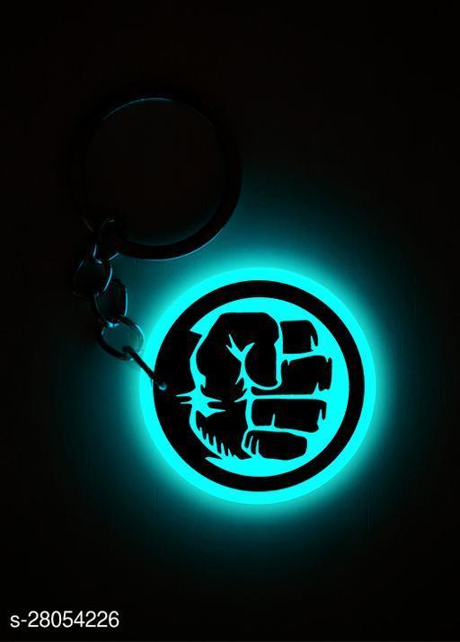 Q'sica glow in the dark keychains - Superheros  (Hulk, Blue)