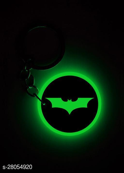 Q'sica glow in the dark keychains - Superheros  (Batman, Green)