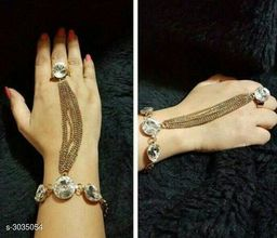 Beautiful Women's Copper Hathful Bracelet