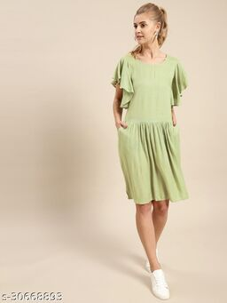 Pista Green Solid Dress With Pocket Details