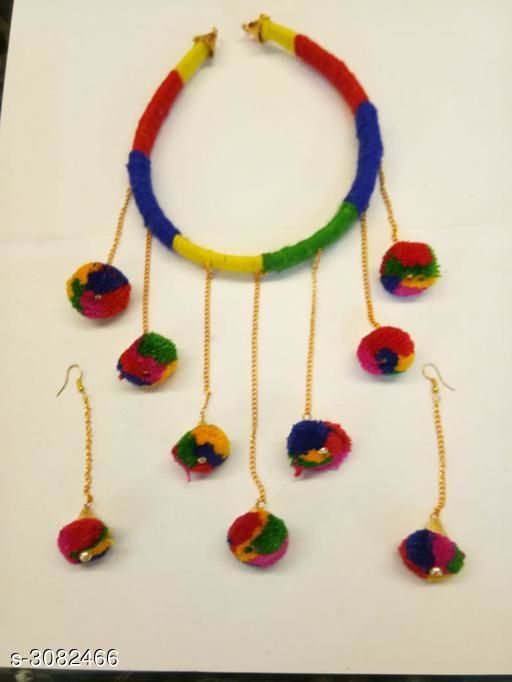 Fancy Wooden Necklace Set