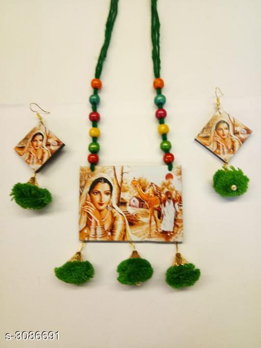 New Fancy Wooden Women's Jewellery Set