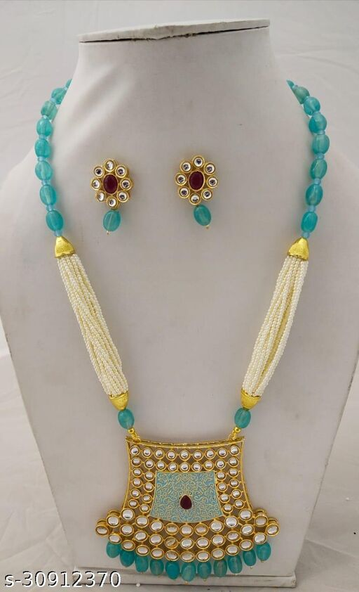 Sizzling Chunky Women jewellery sets