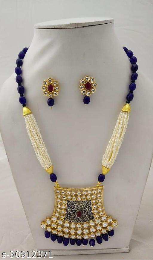 Sizzling Graceful Women jewellery sets