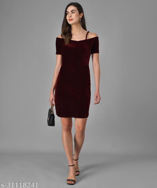 Vaararo Women Maroon Valvet Stylish Dress