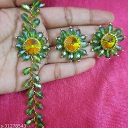 Stylish Flower Choker For Women's