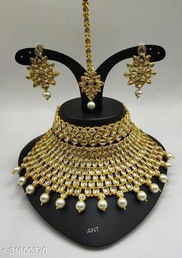 stone jeweller set