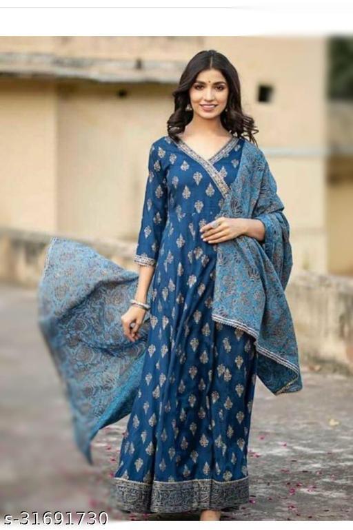 Chitrarekha Alluring Women gown